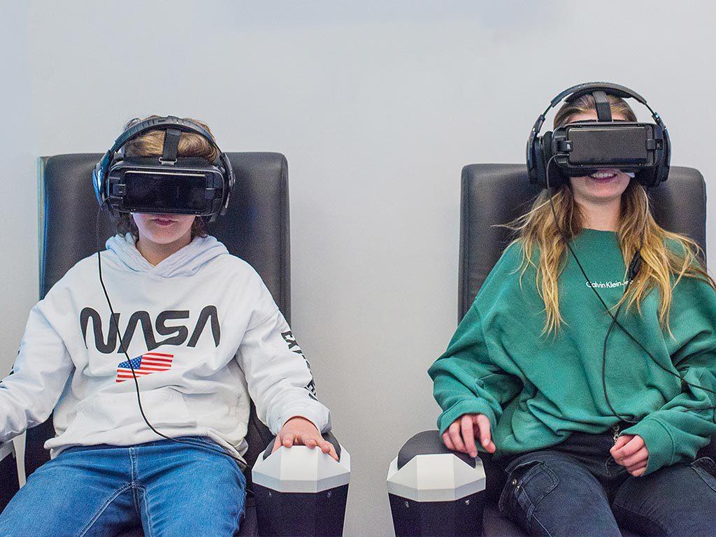 Attractions simulateur cinéma 4D en réalité virtuelle