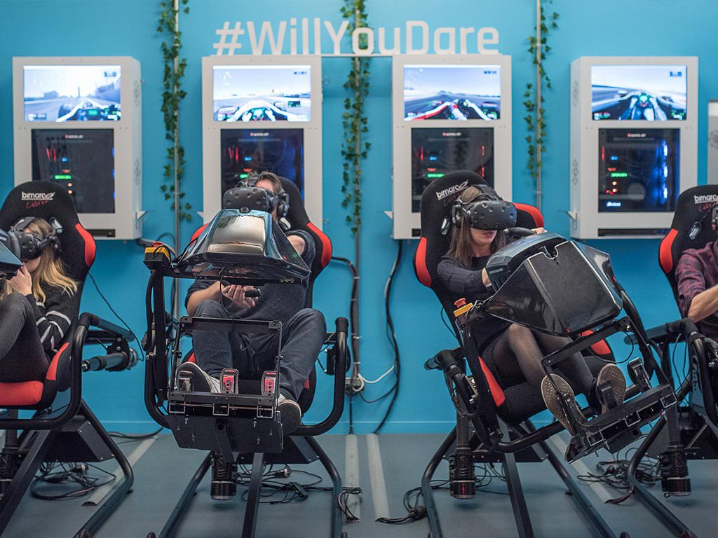 Attractions simulateur de course en réalité virtuelle